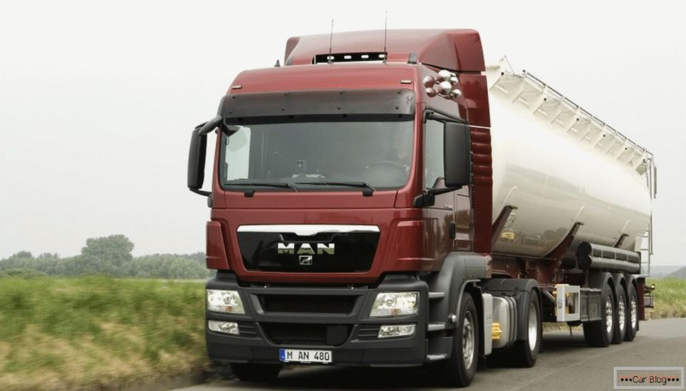 camion homme TGS